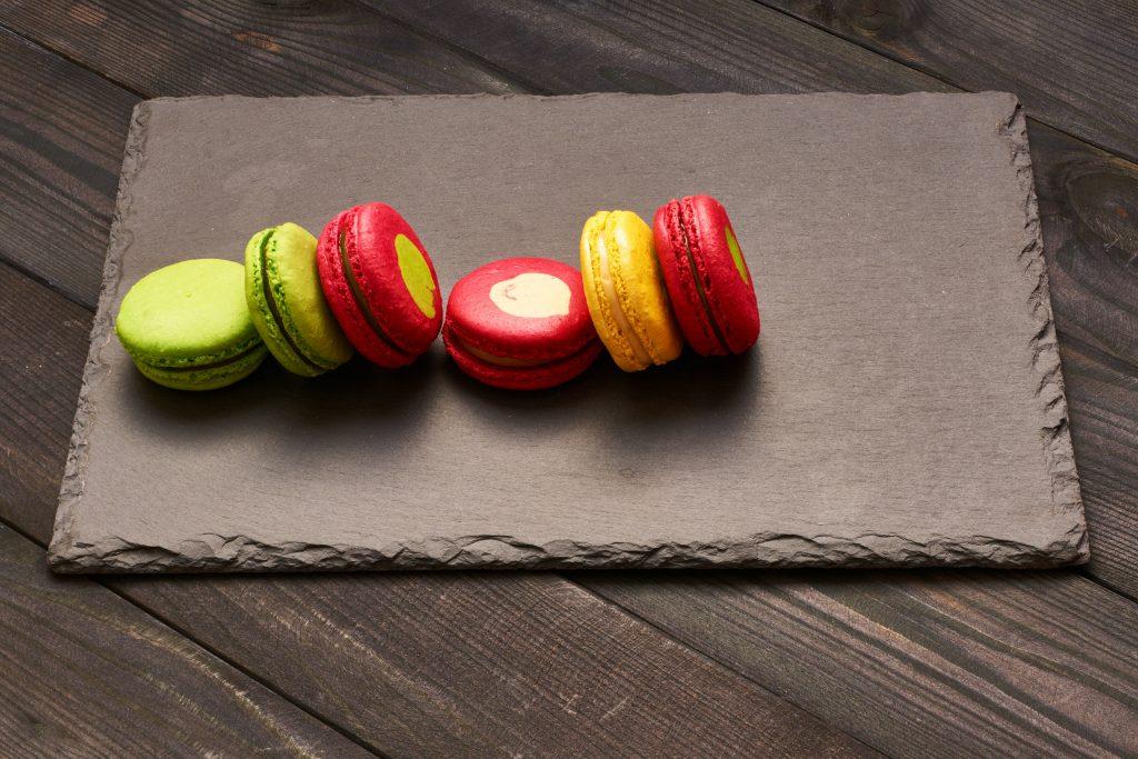como vender doces artesanais na pascoa_macarons