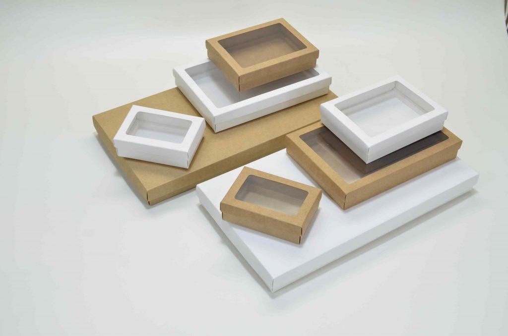embalagens em formato de caixas variadas