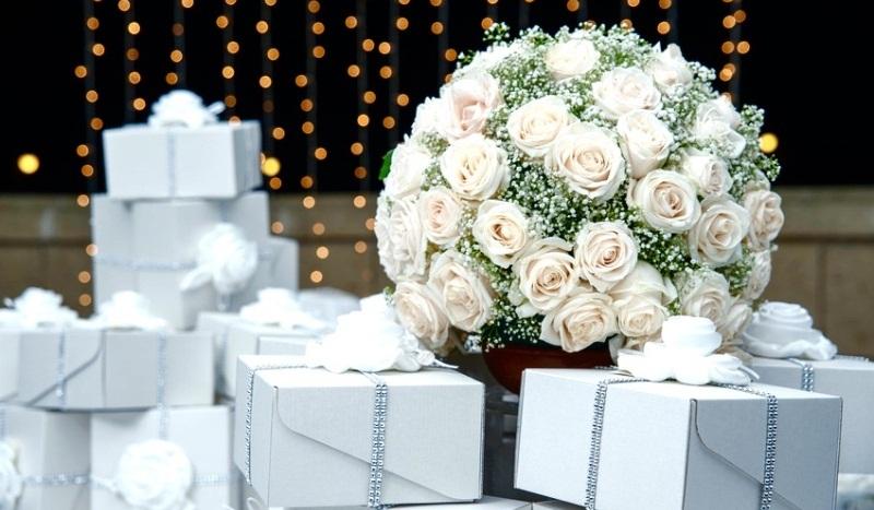 lembrancinha-de-casamento-conheca-a-caixa-para-garrafa-e-brigadeiro